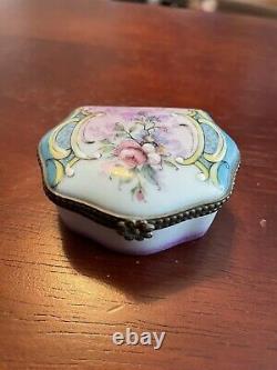Antique Porcelain Limoges Rehausse Main Trinket Box