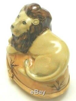 Artoria Limoges. Contented LION at Rest on African turf. Oval Hinged Trinket Box