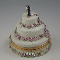 Artoria Limoges -wedding Cake Box Rose Garlands And Bride And Groom
