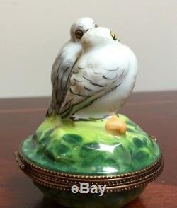Beautiful Vintage Limoges Rochard Love Birds with Eggs Paint Mein Trinket Box