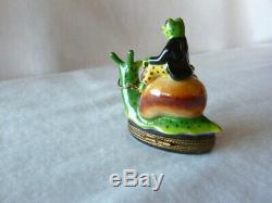 Charming Rochard Limoges France Peint Main Frog Riding Snail Trinket Box