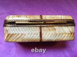 LIMOGES China France PICNIC BASKET Peint Main MARQUE DEPOSEE Hinged Trinket Box