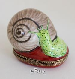 LIMOGES France Snail Escargot Shell Trinket Box Peint Main Signed PV
