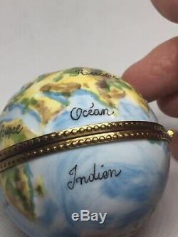 LIMOGES France Unique World GLOBE & Stand, Peint Main Trinket Box