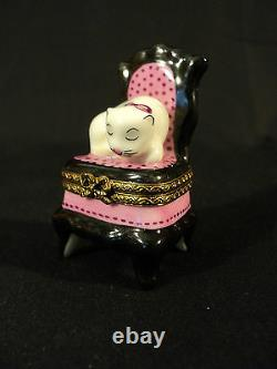 LIMOGES PORCELAIN TRINKET/ PILL BOX PINK & BLACK HIGH BACK CHAIR with WHITE CAT
