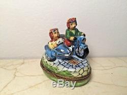 Limoges Box Adorable BEARS on MOTORCYCLE RM Peint main France RARE Vintage
