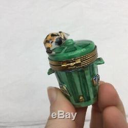 Limoges Cat on Trash Can Trinket Box Peint a la main Figural