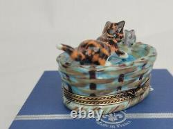 Limoges France Cat & Mouse in Basket Elda Creations Peint Main Trinket Box