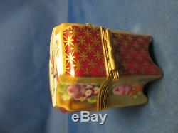 Limoges France Marque Deposee Rehausse Main trinket box SIGNED with 4 perfumes