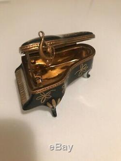 Limoges France Peint Main AF Grand Piano Trinket Box Black with G-clef Music Note