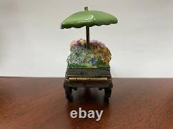 Limoges France Peint Main Eximious Flower Cart Trinket Box Beautiful Piece