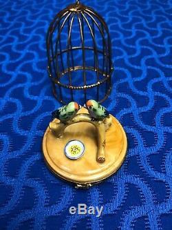 Limoges Peint Main Artoria Parrots in Bird Cage Pillbox Trinket Box No 1331