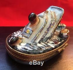 Limoges Titanic Sinking Peint Main Porcelain Trinket box signed by artist LJ