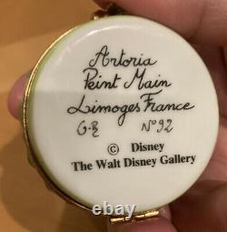 Limoges Trinket Box Artoria Peint Main France Disney Daisy Skunk with Flower