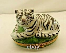Limoges White Tiger 24/750 Sinclair Trinket Box