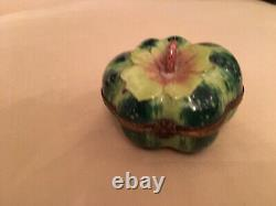Limoges trinket box peint main Green Squash