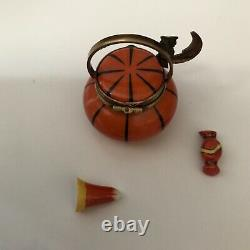 Peint Main LIMOGES France PUMPKIN TREAT Trinket Box hand painted two candies