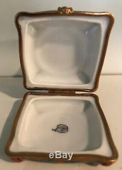Peint Main Limoges France porcelain snuff trinket box 2.75 White Cat