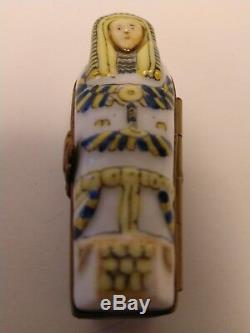 Peint Main Limoges Trinket Box Egyptian Mummy in Sarcophagus