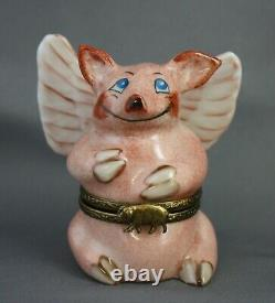 Peint Main Limoges Winged Flying Pig Hinged Trinket Box Seated Porcine Signed PN