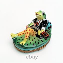 Perry Vieille Limoges Frog Playing Banjo on Lily Pad Trinket Box
