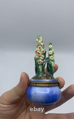 RARE! Limoges France Peint A La Main Flower Pot Yellow Blue Hinged Trinket Box