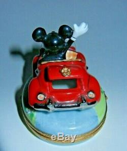 Rare Artoria Peint Main Disney Mickey Mouse In A Red Car Limoges Trinket Box