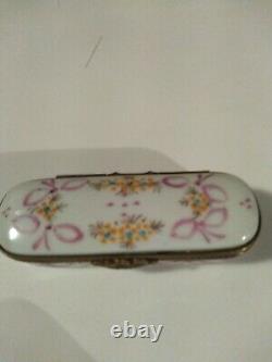 Rare Limoges, France Peint Main Hand Painted Porcelon Needle Box