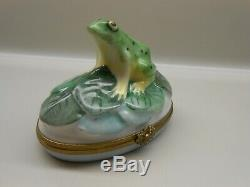 Vintage Authentic Limoges Trinket Box France Frog Artist Signed Excellent