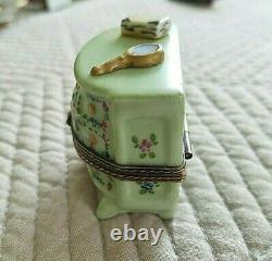 Vintage French Limoges Hand Painted Hinged Vanity Dresser Trinket Box