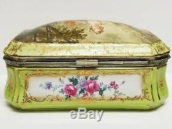 Vintage French STYLE F Boucher BAROQUE COURTING COUPLE Porcelain Hinged 10 BOX