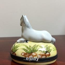 Vintage Limoges Peint Main France White Horse Porcelain Trinket Box