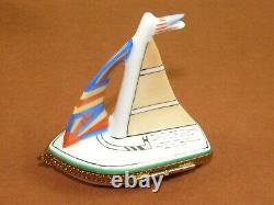 Vintage Limoges Peint Main Sailboat Hinged Trinket Jewelry Pill Box Retired