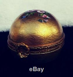 Vintage Limoges Trinket Box Gold Leaf French Handpainted in Excellent Condition