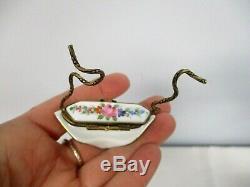 Vintage Peint Main France Limoges Signed Dp 241350 Masquerade Mask Trinket Box